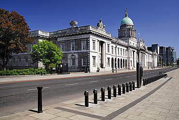 Ireland, County Dublin, Dublin City, Custom House general view of the faade with Irish financial services centre in the distance.
