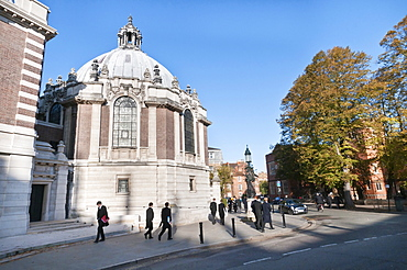 England, Berkshire, Eton, The highly prestigious private college at Eton was established almost six centuries ago by King Henry IV.