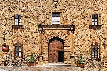 Spain, Extremadura, Caceres, Facade of the Palacio Episcopal or Bishops Palace.