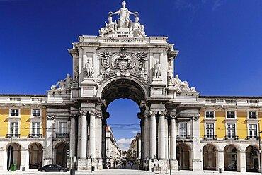 Portugal, Estremadura, Lisbon, Praco do Comercio Arco da Rua Augusta.