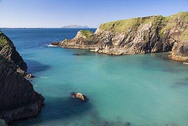 Ireland, County Kerry, Dingle Peninsula, Dunquin Harbour.