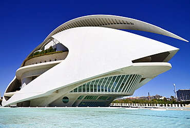 Spain, Valencia Province, Valencia, La Ciudad de las Artes y las Ciencias, City of Arts and Sciences, Palau de les Arts Reina Sofa, Opera house and cultural centre.