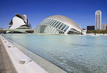 Spain, Valencia Province, Valencia, Spain, Valencia Province, Valencia, La Ciudad de las Artes y las Ciencias, City of Arts and Sciences, Palau de les Arts Reina Sofa, L'Hemisferic Imax Theatre Planetarium and Laserium.
