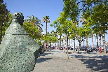 Spain, Catalonia, Barcelona, Barceloneta, Statue of Simon Bolivar.