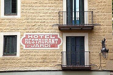 Spain, Catalonia, Barcelona, Ornate building facade in the Gothic quarter Placa del Pi.,