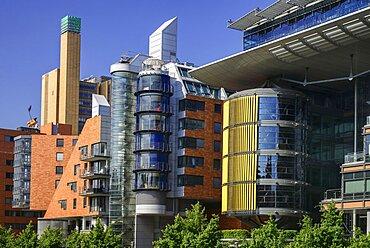Germany, Berlin, Potzdamer Platz, Daimler City, Office and residential buildings on Linkstrasse designed by Richard Rogers.