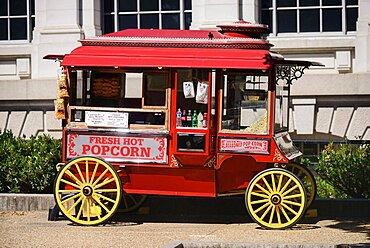 USA, Washington DC, National Mall, Popcorn cart.