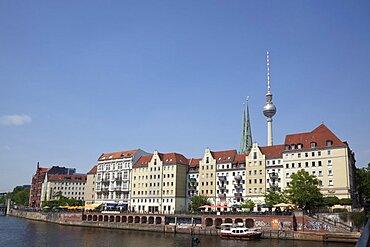 Germany, Berlin, Mitte, Fernsehturm seen from across River Spree.