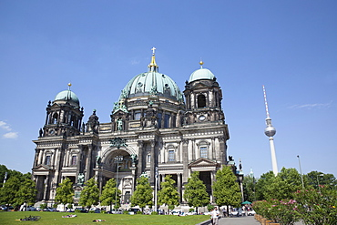 Germany, Berlin, Mitte, Museum Island, Cathedral with Fernsehturm TV Tower behind.