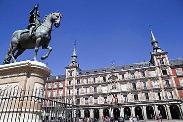 Spain, Madrid, Statue of King Philip III on horseback, Plaza Mayor.