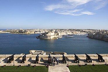 Malta, Valletta, Cannon Battery overlooking Grand Harbour.