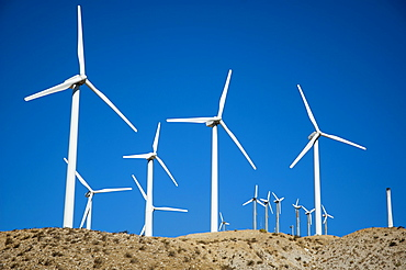 USA, California, San Gorgonio Pass Wind Farm in the San Bernadino Mountains close to Palm Springs.