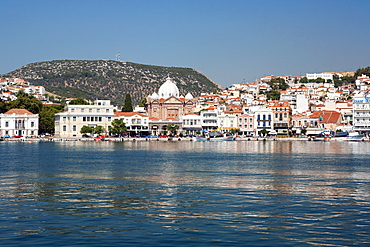 GREECE, North East Aegean, Lesvos Island, Mitilini, harbour with the sea at the foreground and blue sky