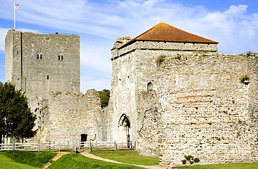 England, Hampshire, Portsmouth, Portchester Castle showing the Norman 12th Century Tower and 14th Century Keep within the Roman 3rd Century Saxon Shore Fort.