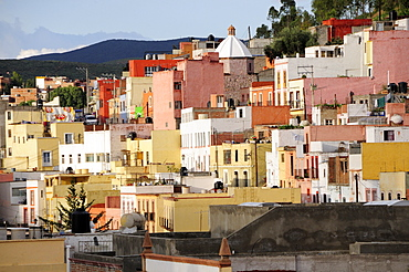 Colourful houses clinging to the hillside, Zacatecas, Bajio, Mexico