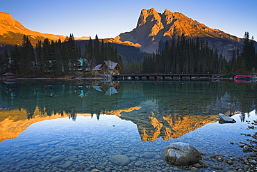 Emerald Lake and Lodge, Yoho National Park, UNESCO World Heritage Site, British Columbia, Rocky Mountains, Canada, North America