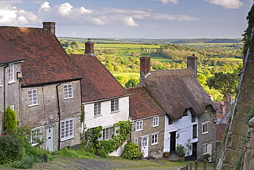 Picturesque Gold Hill in spring in Shaftesbury, Dorset, England, United Kingdom, Europe