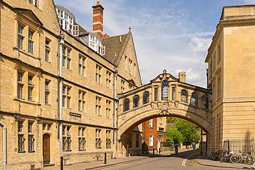 Hertford Bridge (Bridge of Sighs) forming part of Hertford College in Oxford, Oxfordshire, England, United Kingdom, Europe