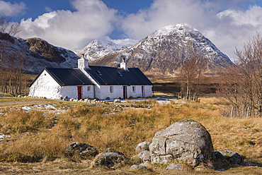 Crofters Cottage on Rannoch Moor, with the famous Buachaille Mor mountain in the background, Scottish Highlands, Scotland, United Kingdom, Europe