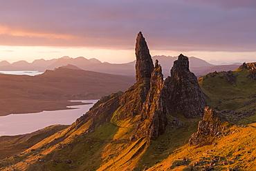 Sunrise over the Old Man of Storr on the Isle of Skye, Inner Hebrides, Scotland, United Kingdom, Europe