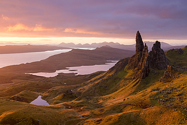 Sunrise over Old Man of Storr on the Isle of Skye, Inner Hebrides, Scotland, United Kingdom, Europe