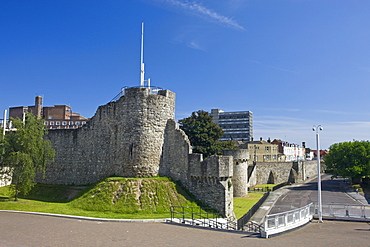 Arundel Tower and the medieval walls of old Southampton City, Southampton, Hampshire, England, United Kingdom, Europe