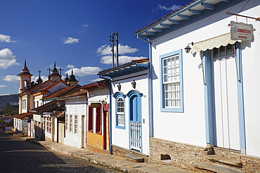 Colonial houses and Nossa Senhora do Carmo Church, Mariana, Minas Gerais, Brazil, South America