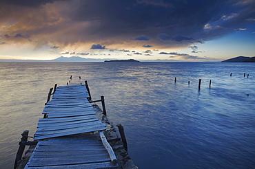 Pier on Isla del Sol (Island of the Sun) at dawn, Lake Titicaca, Bolivia, South America