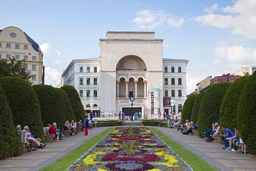 National Theatre and Opera House in Piata Victoriei, Timisoara, Banat, Romania, Europe