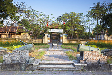 Cannons at Fine Arts Museum, Citadel, Hue, Thua Thien-Hue, Vietnam, Indochina, Southeast Asia, Asia
