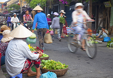 Women vendors selling vegetables at market, Hoi An, UNESCO World Heritage Site, Quang Nam, Vietnam, Indochina, Southeast Asia, Asia
