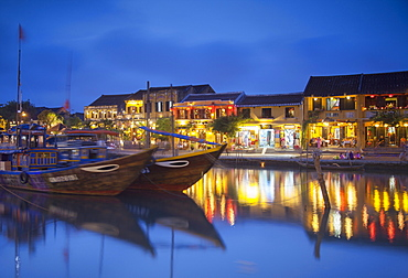 Boats on Thu Bon River at dusk, Hoi An, UNESCO World Heritage Site, Quang Nam, Vietnam, Indochina, Southeast Asia, Asia