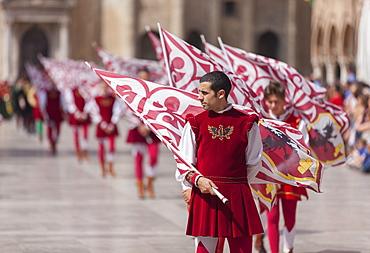 Medieval festival of La Quintana in Piazza del Popolo, Ascoli Piceno, Le Marche, Italy, Europe