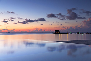Pier at Olhuveli Beach and Spa Resort, South Male Atoll, Kaafu Atoll, Maldives, Indian Ocean, Asia