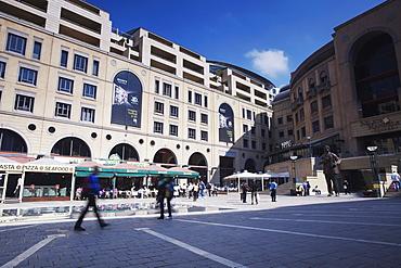 People walking through Nelson Mandela Square, Sandton, Johannesburg, Gauteng, South Africa, Africa