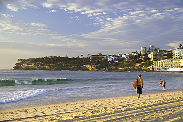 Surfer on Bondi Beach, Sydney, New South Wales, Australia, Pacific