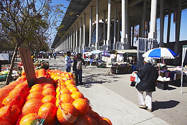 Market in Walter Sisulu Square, Soweto, Johannesburg, Gauteng, South Africa, Africa