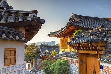 Traditional houses in Bukchon Hanok village at sunrise, Seoul, South Korea, Asia