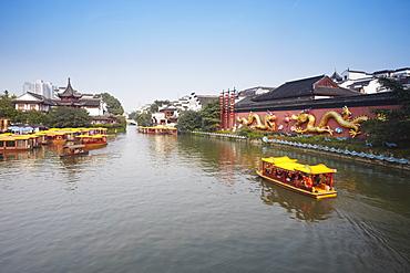 Tourists boats on canal, Fuzi Miao area, Nanjing, Jiangsu, China, Asia