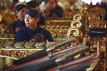 Members of gamelan performance inside Kraton (Palace of Sultans), Yogyakarta, Java, Indonesia, Southeast Asia, Asia
