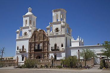 San Xavier del Bac Mission, founded in 1692, National Historic Landmark, Tohono O'odham San Xavier Indian Reservation, Arizona, United States of America, North America
