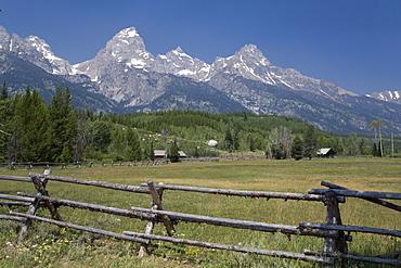Ranch and Teton Range, Grand Teton National Park, Wyoming, United States of America, North America