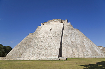 Pyramid of the Magician, Uxmal, Mayan archaeological site, UNESCO World Heritage Site, Yucatan, Mexico, North America