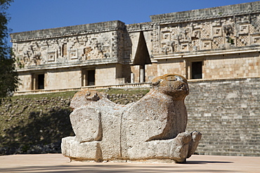 Double-headed Jaguar, Palace of the Governor, Uxmal, Mayan archaeological site, UNESCO World Heritage Site, Yucatan, Mexico, North America