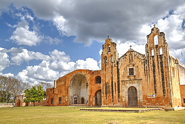 Church and Convent of San Miguel Arcangel, established in 1549, Mani, Route of the Convents, Yucatan, Mexico, North America