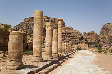 The Colonnaded Street, dating from about 106 AD, Petra, UNESCO World Heritage Site, Jordan, Middle East