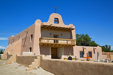 Pueblo Mission, San Ildefonso Pueblo, Pueblo dates to 1300 AD, New Mexico, United States of America, North America