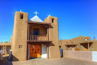 San Geronimo Chapel, Taos Pueblo, UNESCO World Heritage Site, Pueblo dates to 1000 AD, New Mexico, United States of America, North America