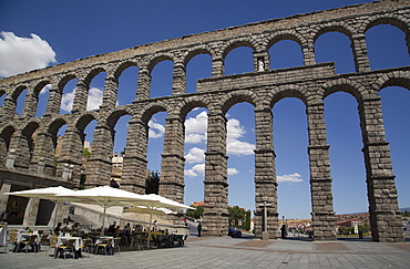 Roman Aqueduct, Segovia, UNESCO World Heritage Site, Castile y Leon, Spain, Europe