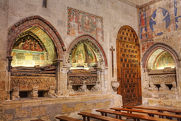 Medieval tombs and wall murals, Old Cathredal of Salamanca, Salamanca, UNESCO World Heritage Site, Castile y Leon, Spain, Europe